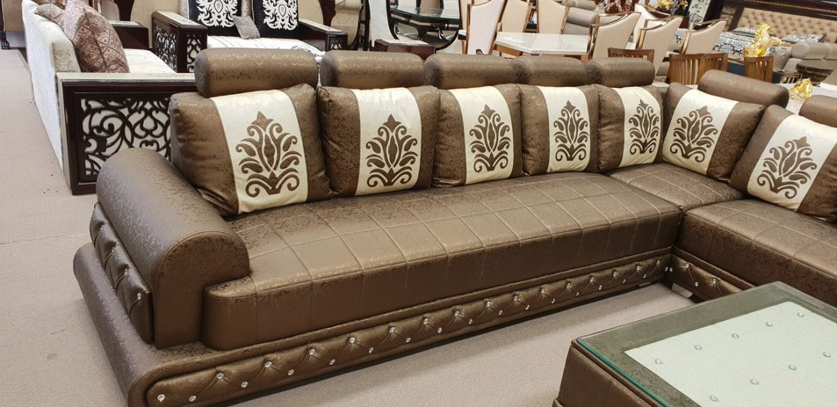 Brownp-with-white-patch-sofa-set