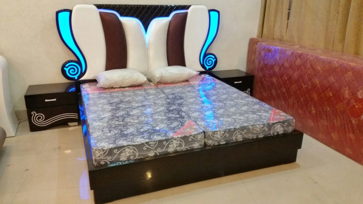 Newly Light Bed with Sides