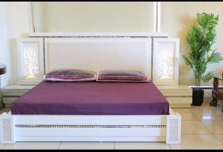 New Design of Simple white bed