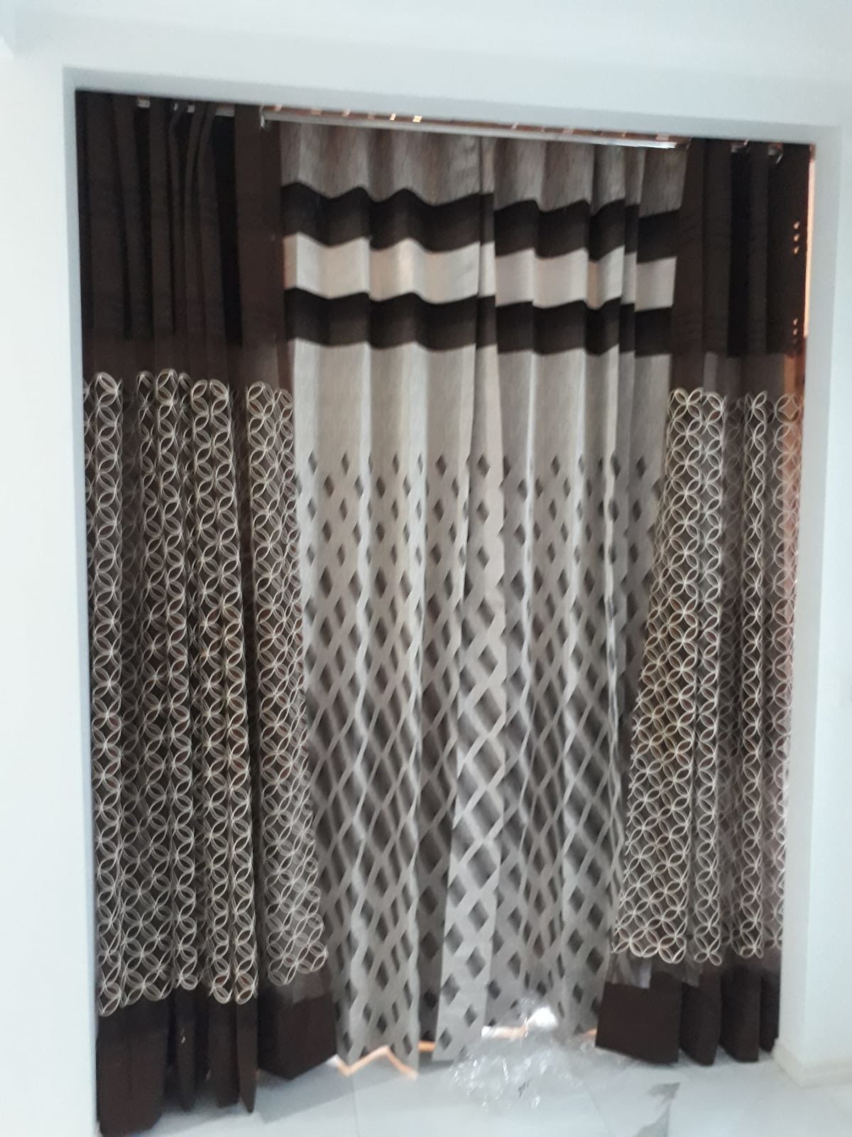 Beautiful Designer Double Shaded Blinds