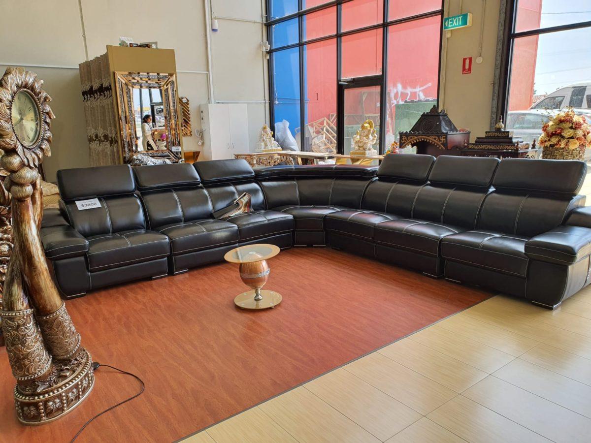 Elegant Black Leatherite Sofa Set